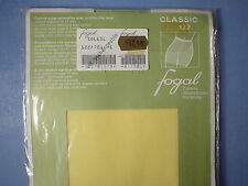 Fogal Style 122 Classic 17 Denier Pantyhose Size Small in Soleil