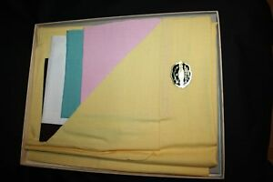 Vintage NIB 1960's 42x42 yellow tablecloth 4 14x14 napkins TIMELY LINENS 5TH AVE