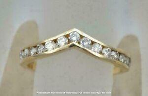 1.40Ct Round Cut Diamond Chevron Style Wedding Band Ring 14K Yellow Gold Finish
