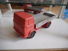 NP Vinyl Mercedes Truck in Red/Grey