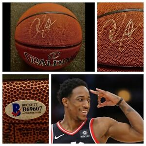 DEMAR DEROZAN Signed Basketball Beckett Auto San Antonio Spurs Toronto Raptors !
