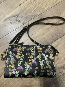 STEVE MADDEN Floral Print Crossbody Black Shoulder Bag Blexi DR122805