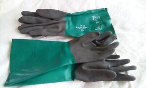 Two pairs Gardening gloves gauntlets 7