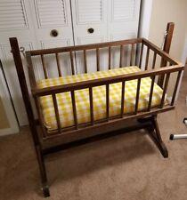 Vintage Wooden Spindle Baby Cradle Crib Rocker Glider Bassinet Portable Crib
