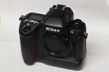 Nikon F-5 Gehäuse / Body F5 analoge SLR gebraucht