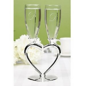 Interlocking Flutes With Heart Stand Personalized Wedding Toasting Flutes