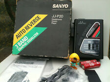SANYO JJ-P20 Cassette Player NEW !NEU ! Walkman Kassettespieler Box Headphones