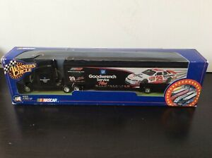 KEVIN HARVIK #29 2001 ROOCKIE YEAR GOODWRENCH TRANSPORTER WINNER'S CIRCLE