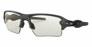 OAKLEY Flak 2.0 XL Sunglasses -NEW- Authentic - Photochromic Clear Black Lens