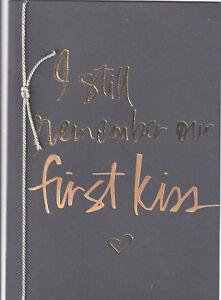 PAPYRUS VALENTINES CARD NIP MSRP $5.95 FIRST KISS CARD (N19)