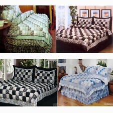 Cottage Pictorial Quilts & Bedspreads