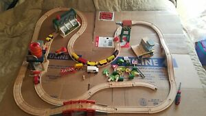 Thomas the tank Sodor town Brio Wooden Train track playset