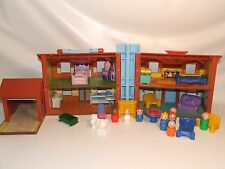 Fisher Price House #952 With Furniture And Little People Vintage 1980s