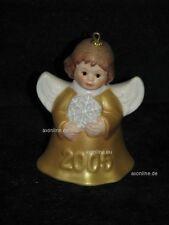 +# A008551_25 Goebel Archiv Jahresengelglöckchen mit Schneeflocke 2005 gold gelb
