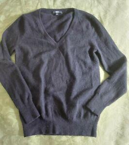 100% pure cashmere v-neck Uniqlo sweater Black size M