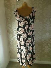 NEW LOOK Curves floral print dress size 26