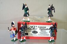BRITAINS 41004 CAMERON HIGHLANDERS PIPE BAND SET 4 HOLLOW CAST MINT BOXED ne