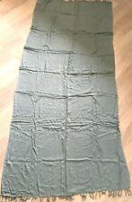 Foulard sans marque gris Schal ohne graue Markierung Scarf without gray mark