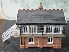 BACHMANN SCENECRAFT 44-0060 OO GAUGE MARCH WEST SIGNAL BOX. NEW & BOXED