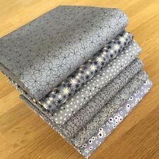 Matilda Fat Quarter Bundle in dunkelgrau anthrazit von Indigo Quilting Fabrics