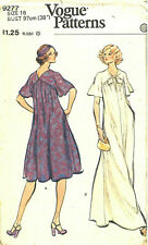 """1970s Vintage VOGUE Sewing Pattern B38"""" EVENING DRESS Caftan Style (1902)"""