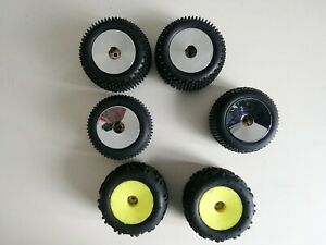 Losi Mini - T 2.0 Wheels and Tyres