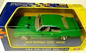 Motor Max 1:24 Die-Cast Replica 1969 Pontiac GTO No.73200