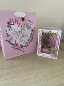 Mother's Day HALLMARK gift bag and card  - New