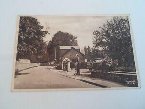 The Village, FUNTINGTON (Garage+Esso Sign in view) Vintage Postcard §ZA1144