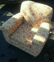 008 Vintage Funky Floral Pattern Lounge Arm Chair Mid Century Antique