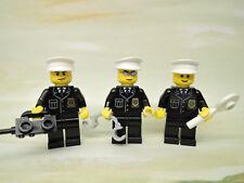 LEGO City Polizei  3 x Polizist + Zubehör (Handschelle, Funkgerät, Polizeikelle)