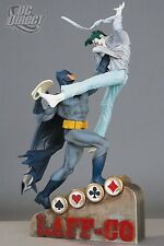 DC COMICS Classic Confrontations BATMAN vs The JOKER STATUE NEW! DAR KNIGHT Bust
