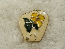 Flower Pin (B29) Goldtone Cream Yellow Green