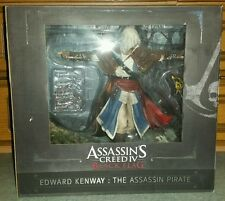 ASSASSIN'S CREED IV BLACK FLAG EDWARD KENWAY ASSASSIN PIRATE STATUE 2014 *NEW*