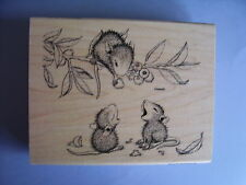 HOUSE MOUSE RUBBER STAMPS BERRY SHARING NEW WOOD STAMP