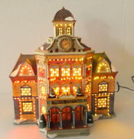 Grandeur Noel Train Station Victorian Christmas Village  2002 electric lights