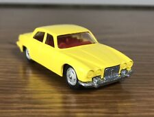 Corgi Juniors Jaguar XJ6 4.2 Sedan Yellow With Red Interior NrMT
