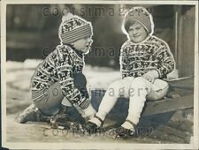 1926 Cute 1920s Tuxedo NY Children in Winter Wear Put on Ice Skates Press Photo
