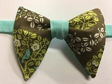 NEW Handmade Vintage style Bow tie 70`s Floral Green Mint Wedding Bowtie Retro
