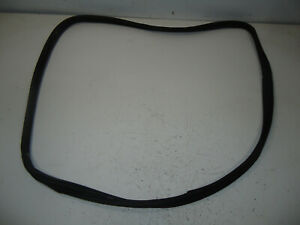2002 SATURN LW300 STATION WAGON FRONT RIGHT DOOR RUBBER WEATHERSTRIP SEAL