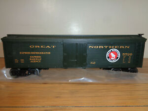 LIONEL O GAUGE # 6-5720 GREAT NORTHERN WOODSIDE REEFER AND BOX