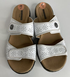 Clarks Collection Soft Cushion Women's Sandals- Size 7-White Leather- NWOB