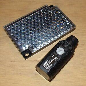 Omron 10-30VDC 0-500mm PNP Photoelectric Sensor E3FA-RP22