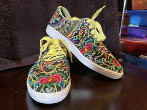 NWT Handmade shoes Embroidered Cotton Hmong Hill Tribe Women MUTIColor Size 9 US