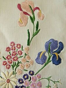 VINTAGE HAND EMBROIDERED PICTURE PANEL- BEAUTIFUL DETAILED HANDIWORK