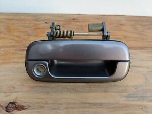 1991-1995 ACURA LEGEND COUPE RIGHT PASSENGER SIDE EXTERIOR DOOR HANDLE OEM DH18