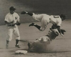 """Jackie Robinson & Phil Rizzuto- 8"""" x 10"""" Photo - 1947 World Series - NY Baseball"""