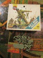 Airfix-HO British WW2 Paratroops Pieces~
