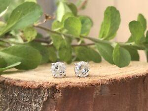Natural Round Cut Diamond Stud Earrings 0.72 TCW