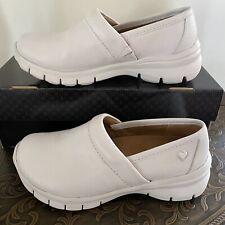 Nurse Mates Libby White Slip Resistant Shoes Size 6 Wide